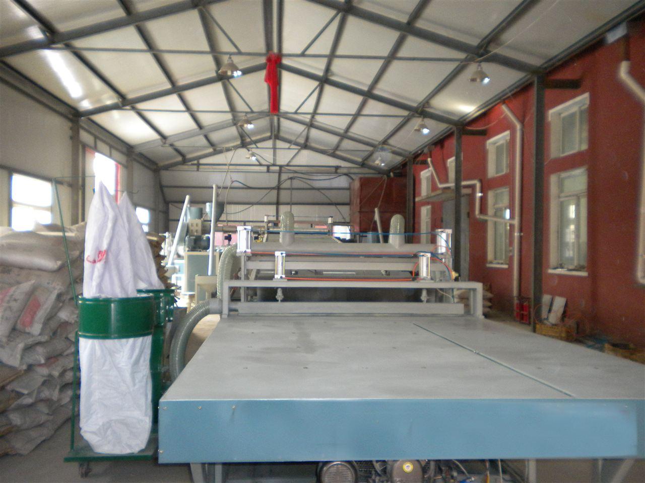 中空新型建筑模板生产线 中空pp塑料模板